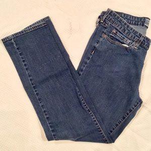 Levi's Straight Mid-Rise Leg Jeans